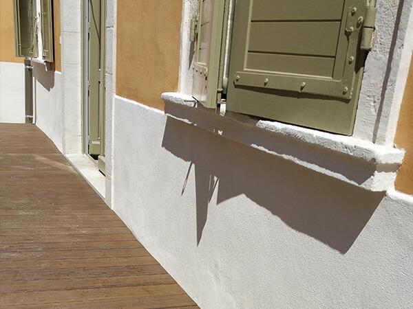 Terrasse en bois teinté